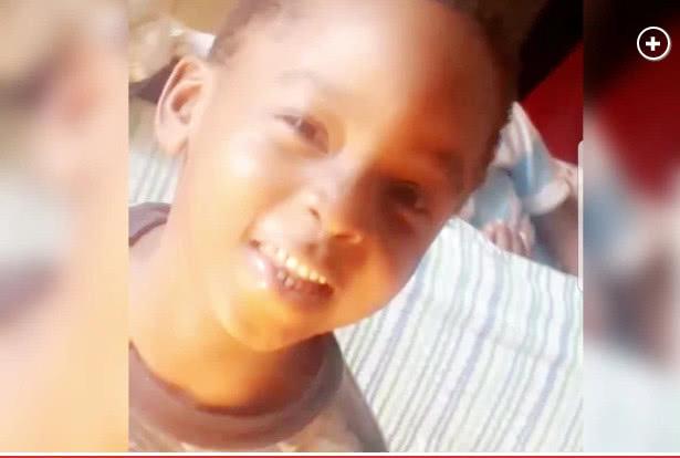 4岁男孩惨遭20岁精神分裂症哥哥从公寓楼顶扔下,当场身亡!