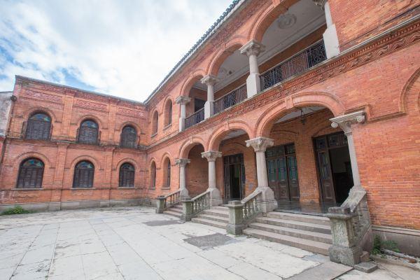 浙江这座中西合璧建筑风格的红房子,曾是清初最大文字狱的事发地
