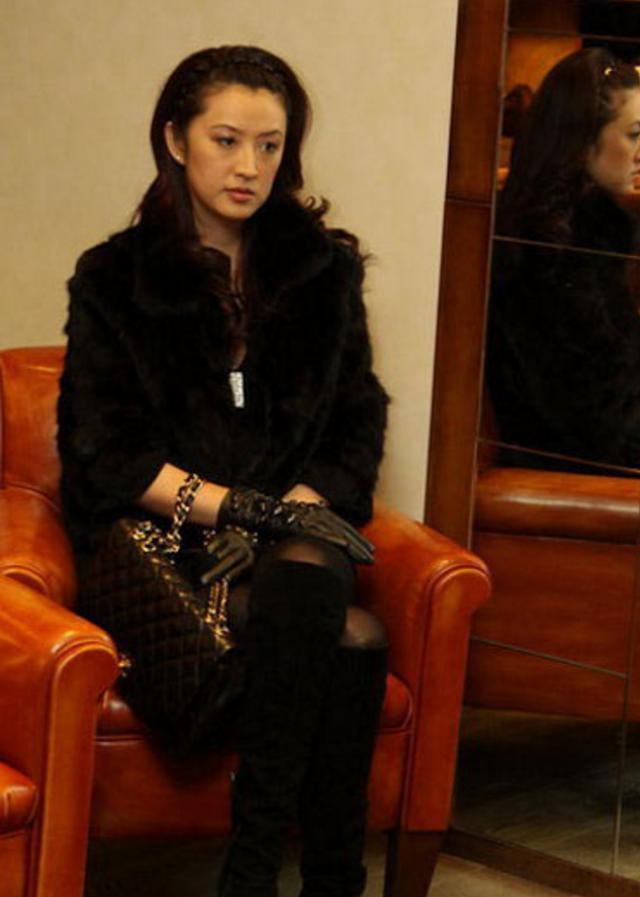 51歲王志文妻子陳堅紅近照曝光,原來他每天面對這樣的女人