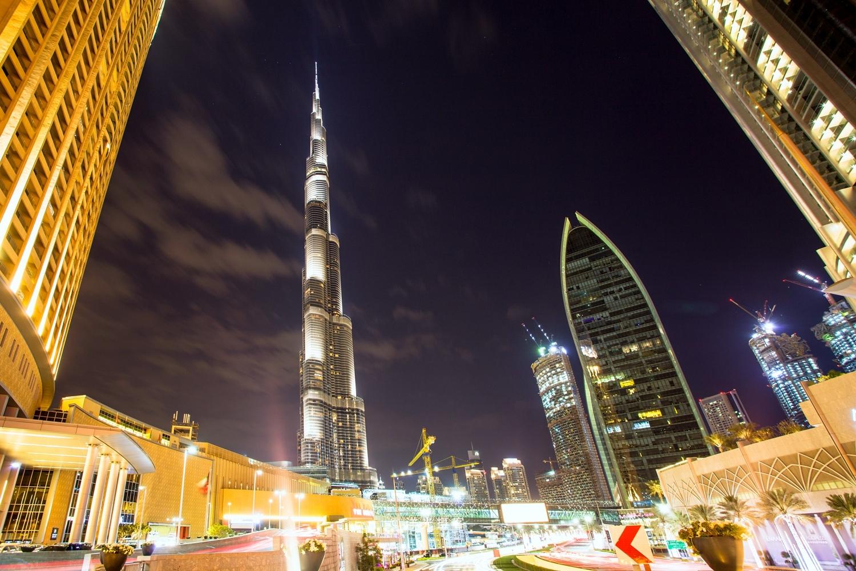 迪拜哈利法塔高828米,中国第一户外观景平台比它还高40多米
