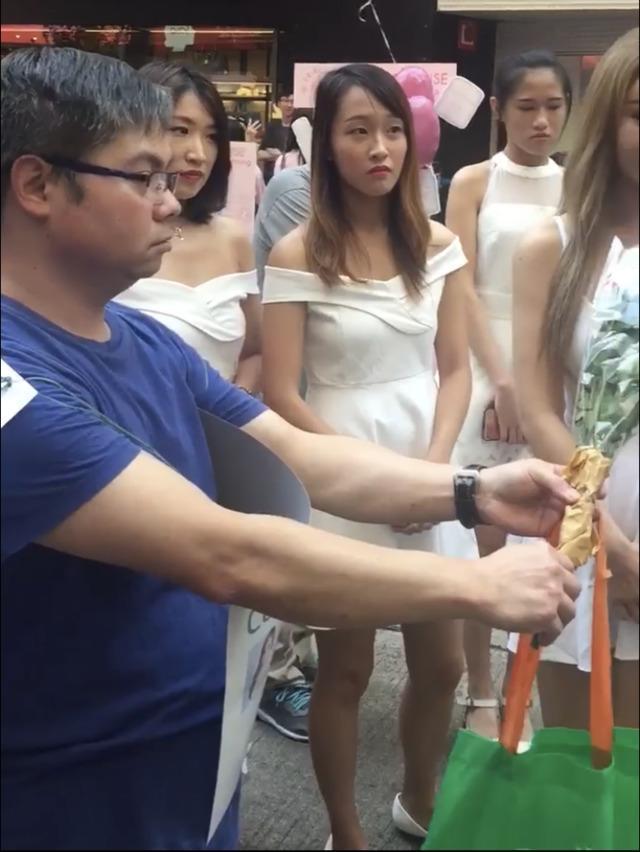 香港网红恋爱分享初见面要豪宅跑车香奈儿包,能避免像张雨绮二次离婚