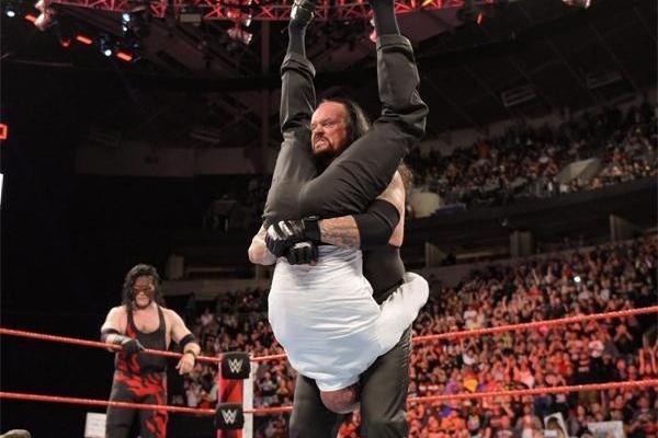 WWE选手都是大老粗?大秀哥掌管剧情送葬者是地产大鳄_快乐十分