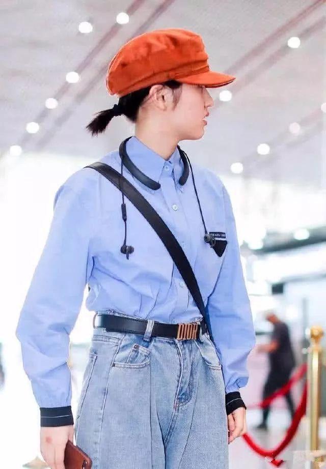 张子枫终于不穿那些奇装异服了!这样穿才少女,可能换了造型师!