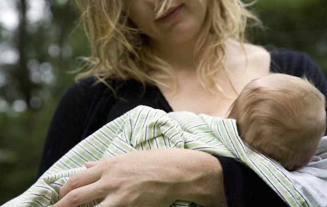听说母乳6个月后就没营养了?宝宝多大断奶最好?
