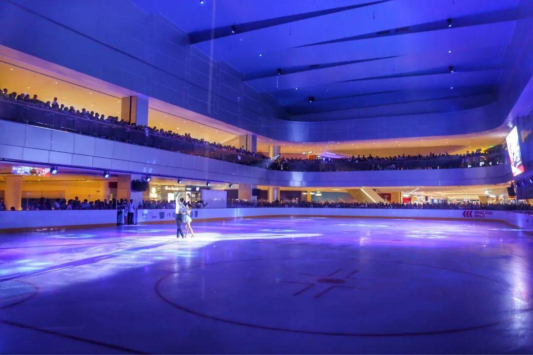 与冠军面对面 赵宏博总教练率国家花样滑冰队莅临南通万象城冠军冰场