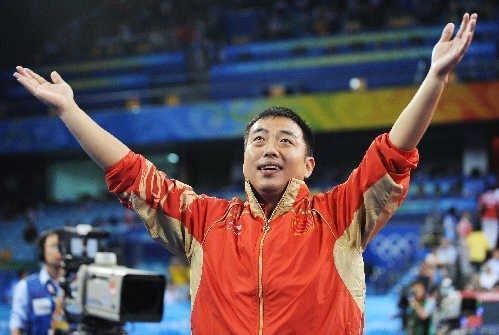 前国乒教练刘国梁现状:老婆创业成女总裁,大女儿已是世界冠军!