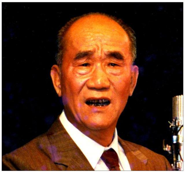侯宝林大师73岁死于胃癌,营养师:胃癌患者,往往喜欢吃这3道菜