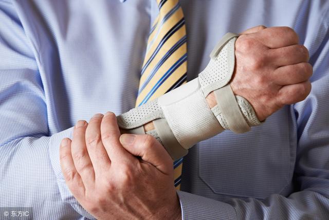 手麻、无力、肌肉萎缩?—你可能得了腕管综合征