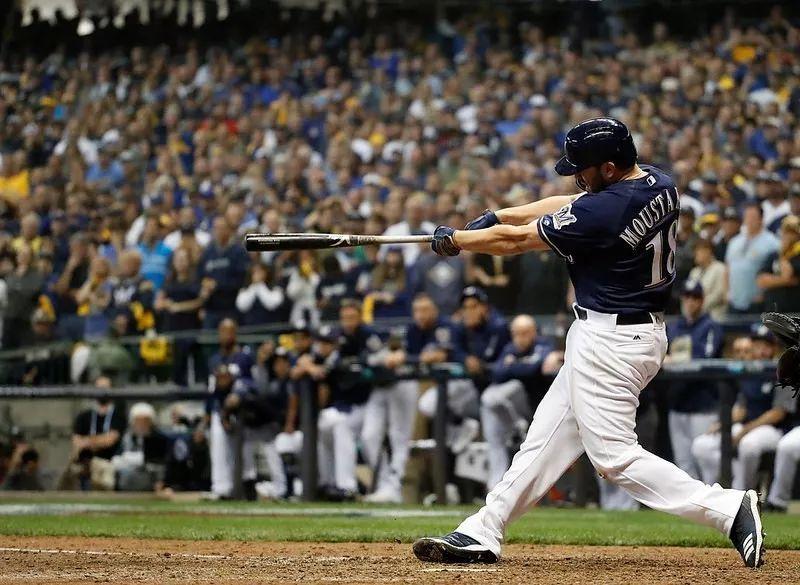 【MLB 资讯】再见安打要回胜利 Moustakas:季后赛经验帮助大