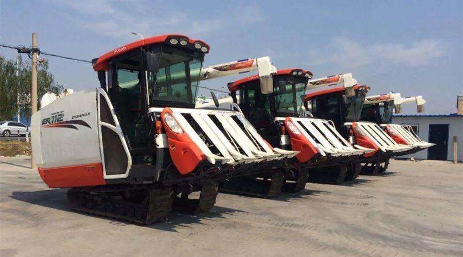 久保田半喂入收割机-这5种农机产品将成为市场新宠儿