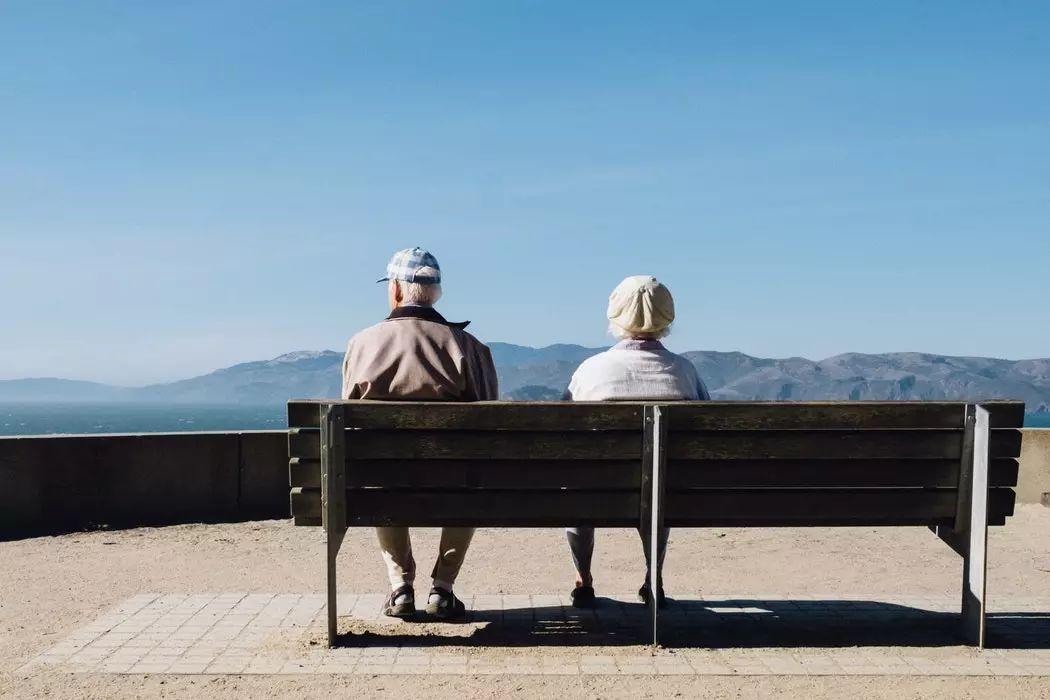 两个老年人的爱情战争