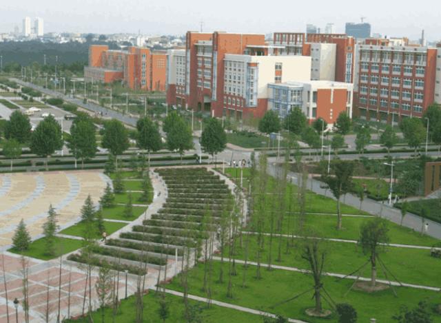 """我國""""最幸運""""的211大學,實力一般,卻享受985的畢業生待遇?"""