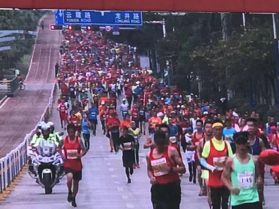 2018蒙自国际马拉松成功举办