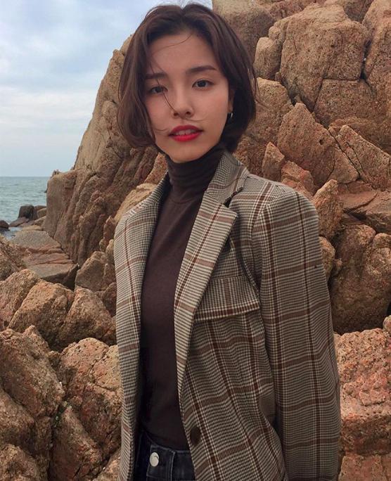 韩国素人女生示范OL秋冬换季衣柜,五个关键单品令品味变高级