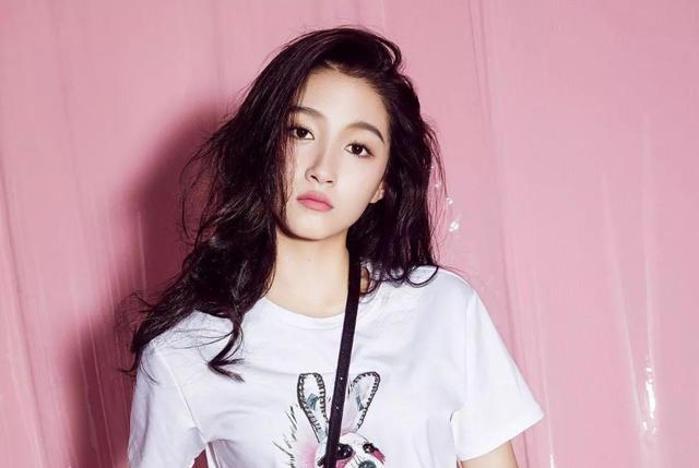 娱乐禁忌:不与关晓彤同台,不和颖宝上综艺,聚会不带她!