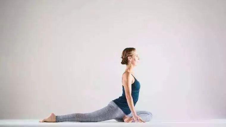 5个阴瑜伽体式,静心安神好心情图片