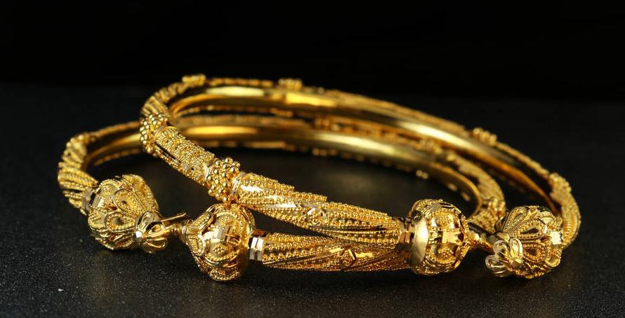 黄金首饰为什么会变色?平常应该怎样保养?