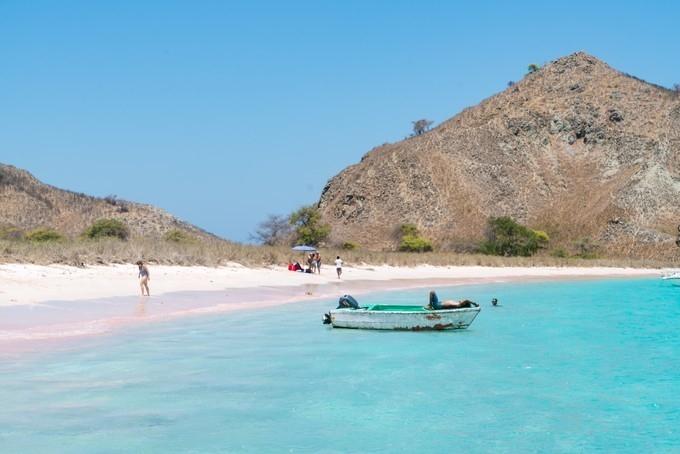 亚洲唯一的一个粉红色沙滩,让人少女心爆棚的浪漫之地