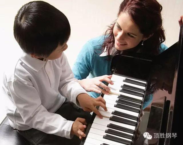 """學鋼琴可以讓孩子學會""""靜心"""""""