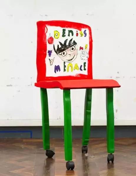 教育 正文  他们邀请英国当地的小学生来画出自己心中的椅子,再通过木