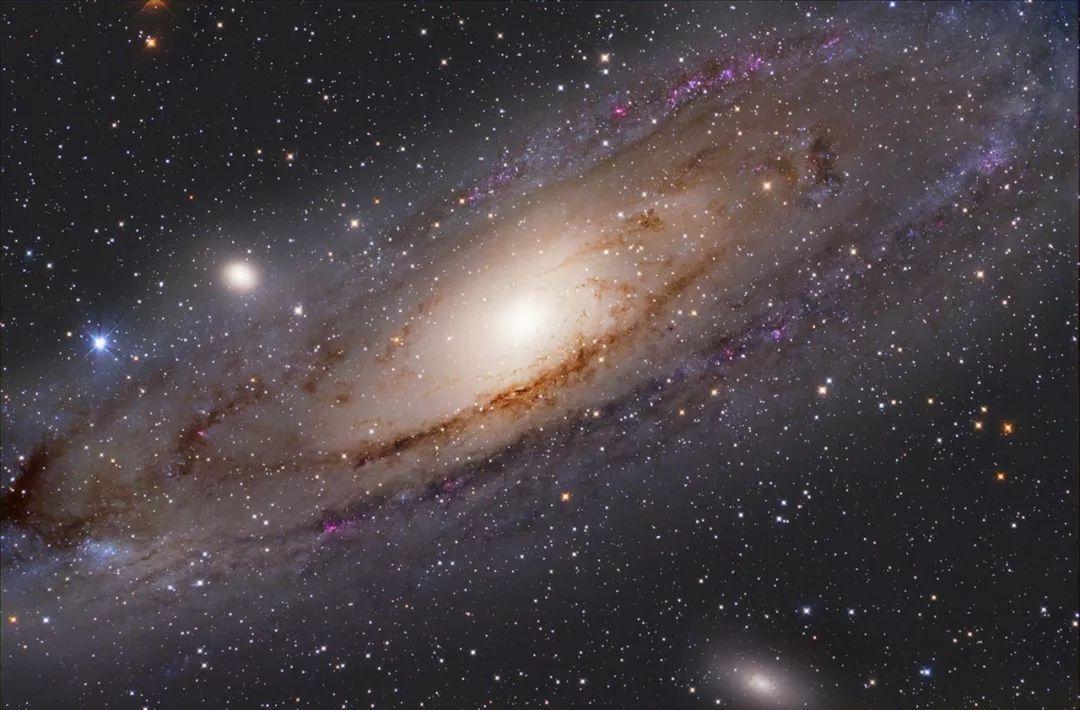 外星人既有可能给我们发电报,也有可能向我们抛媚眼