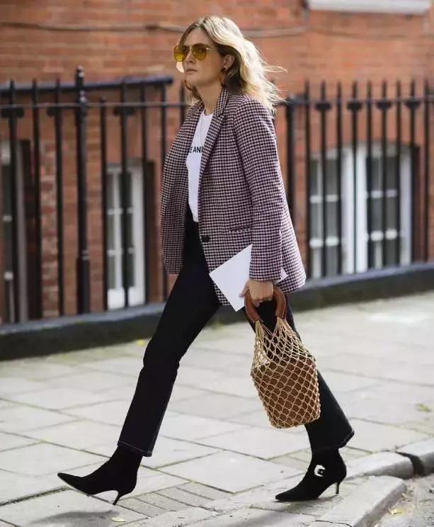 九分裤搭配短靴,秋冬就是要这么时髦!图片