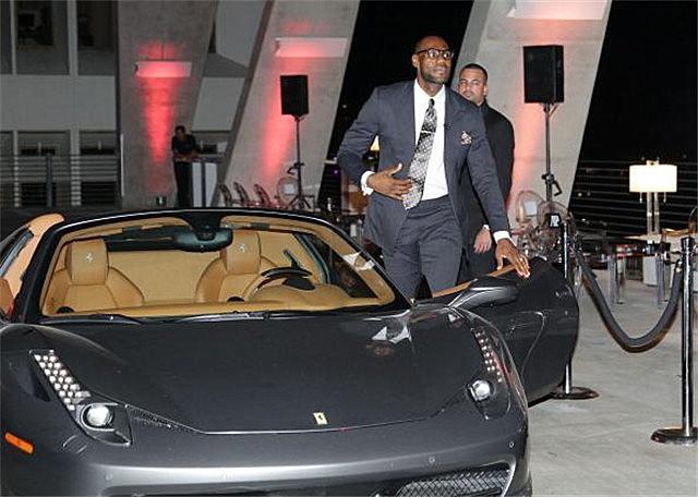 NBA现役球星开什么车?最贵的价值3000万车主不是詹姆斯而是他_陕