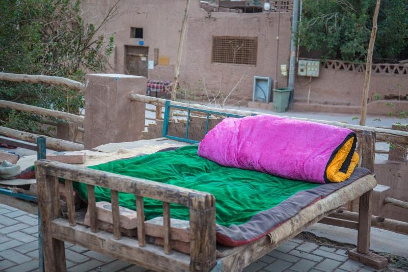 晚上睡觉不关门,游客免费吃喝,网友说新疆国内最安全