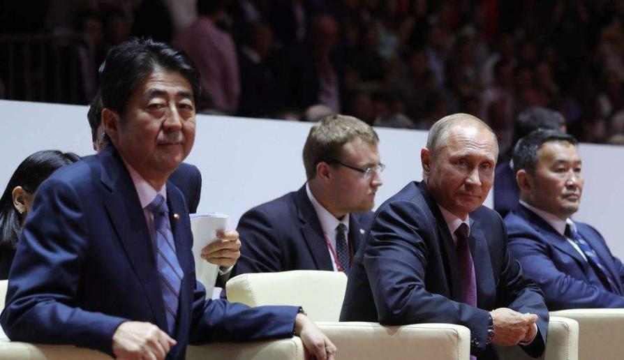 日本接连被2大国虐,安倍想用访华转移压力?