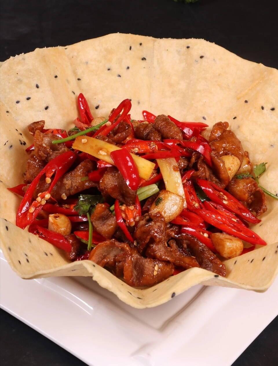 刘雪平美食餐饮团队菜品:美椒肥肠