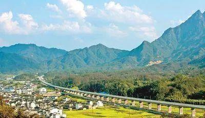 杭黄铁路联调联试基本完成,沿线美景将成为世界级黄金旅游通道