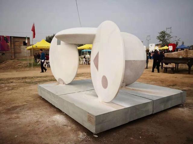 """铜川首届""""玄奘之路""""国际雕塑创作营作品展开_牛奶招商网"""