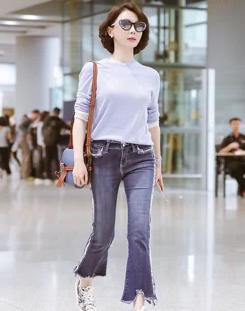 陈数今年41岁了,如今却穿得像个20多岁的小姑娘,网友:受不了