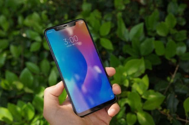 小米8现货降价:骁龙845+6G+双摄+NFC,仅2499