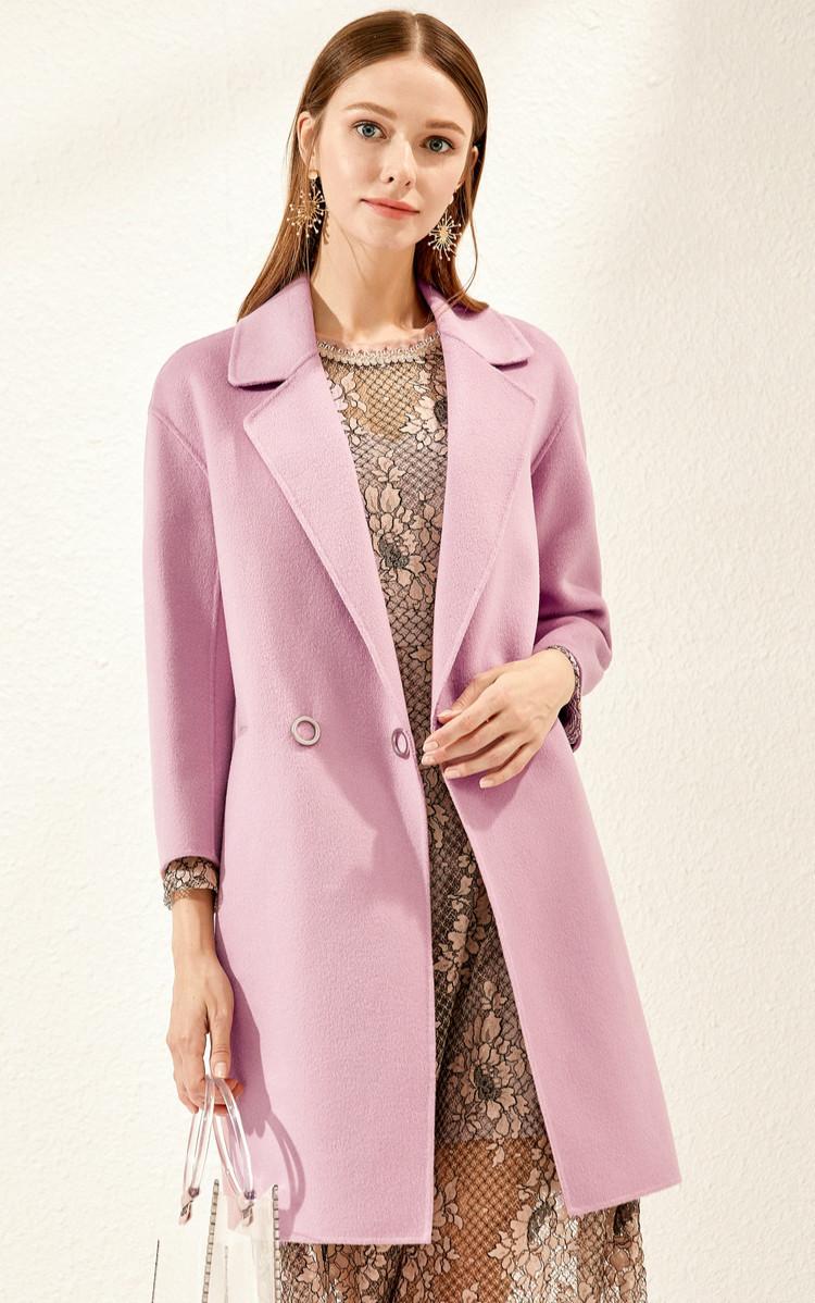 """女人到了40岁,这""""3种""""颜色的大衣不要穿,显老又掉价!"""