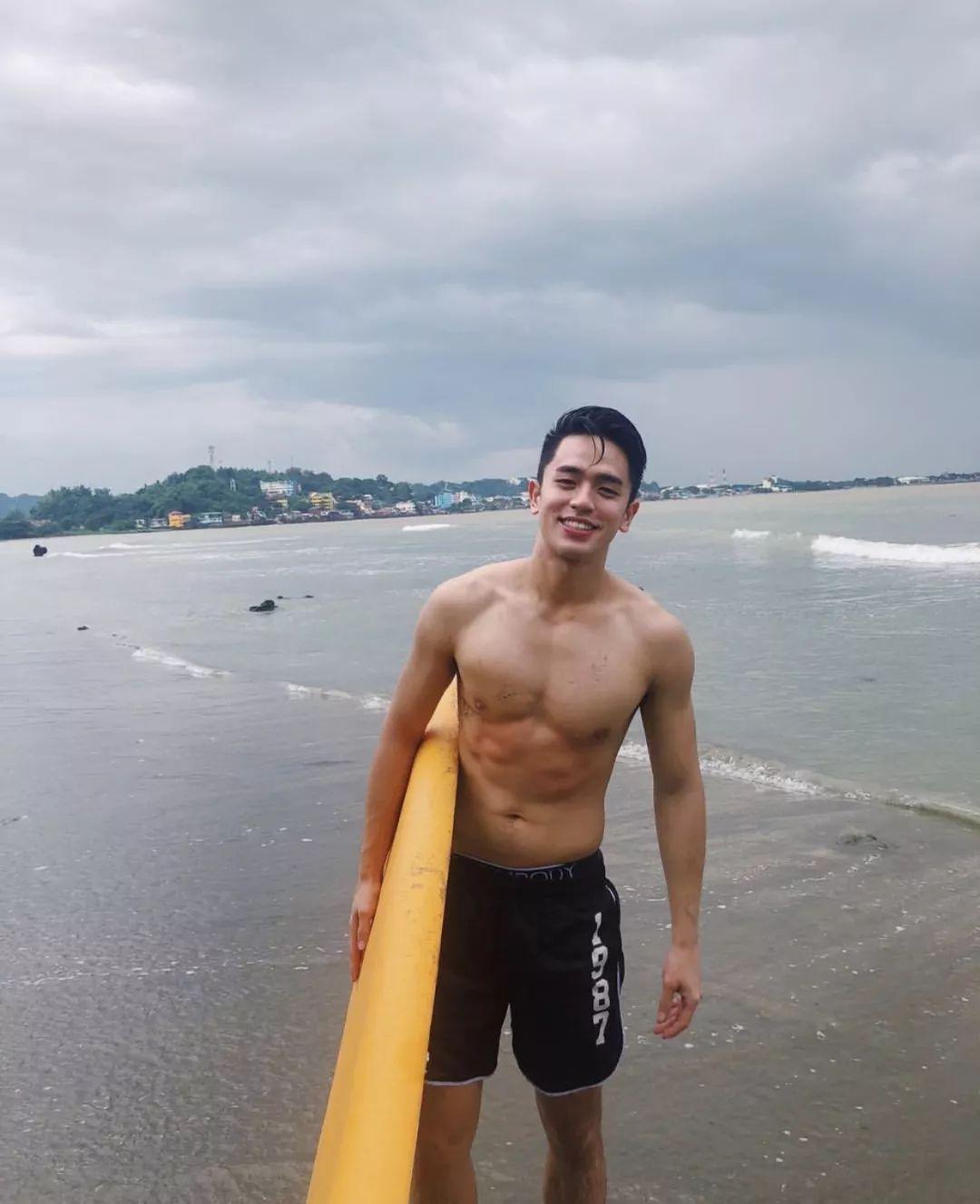 谁能抗拒来自菲律宾篮球男孩的假笑?新老公David Licauco!