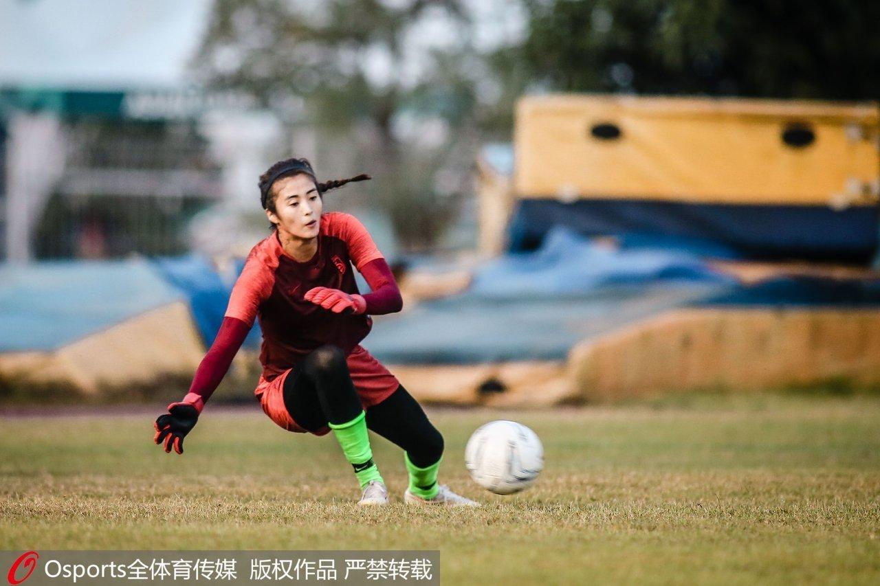 赵丽娜:女足不会轻易输球遗憾未帮助前任主帅