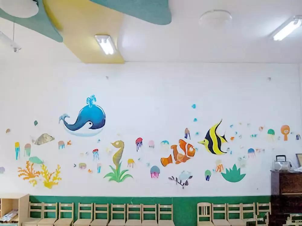 手绘画主题 用手绘墙面装点幼儿园 ~~ 哎哟,不错哦!