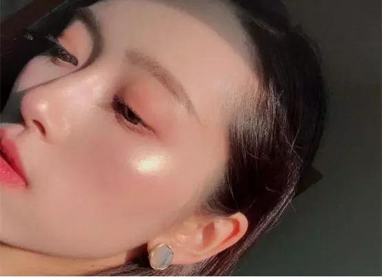 眼霜使用步骤