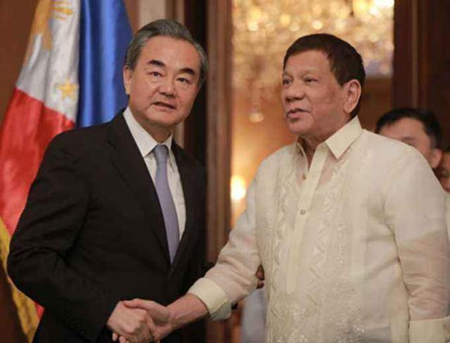 两边都军演,菲律宾跟美国还是中国?