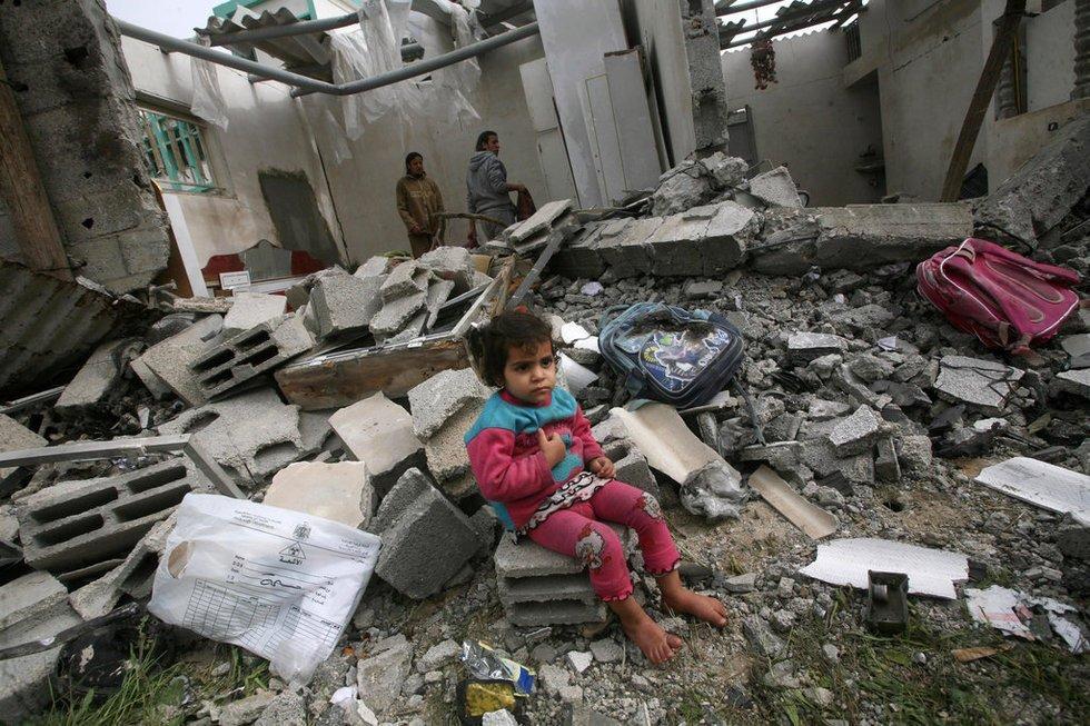 《巴勒斯坦与以色列发生军事冲突,为什么都是普通民众冲锋在前?  》