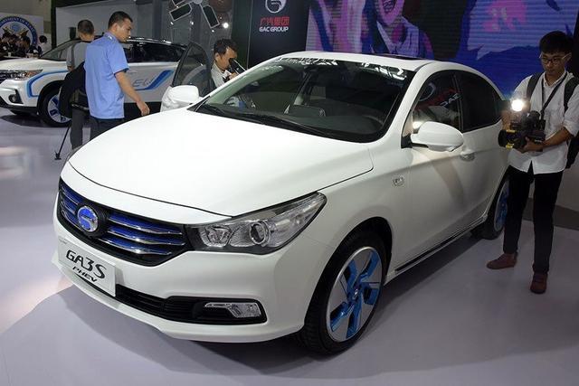 这款车已经成为新能源市场的黑马,强劲的动力是亮点!