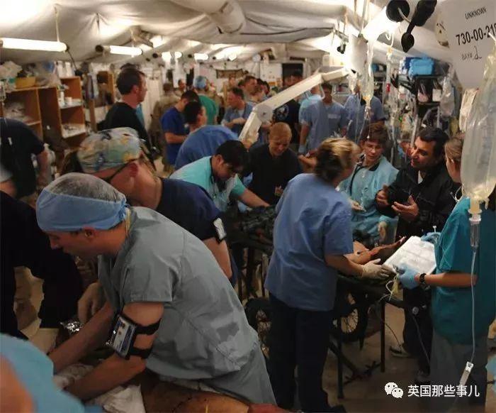 医生大怒:这是急诊科,不是客户服务部!
