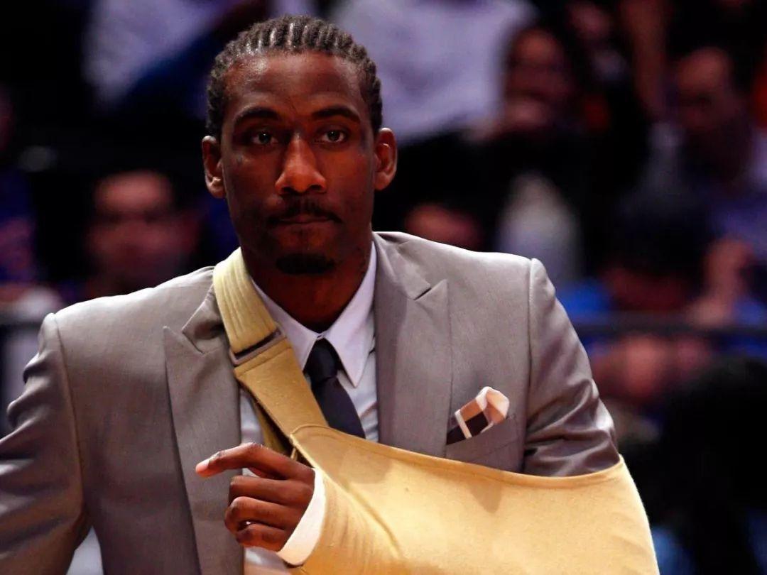 盘点NBA里的一些奇葩伤病!76人小将睡一觉毁掉生涯!