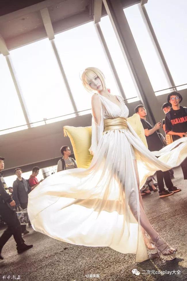 《Fate/EXTELLA》尼禄cos,盛世美颜,高贵优雅的气质仙女! 作者: 来源:二次元cosplay大全
