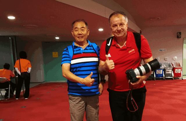 中国女排完胜美国女排,此前波兰爷爷的那番话成真令球迷感动