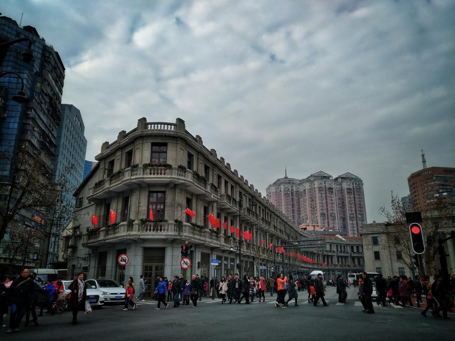 """武汉的""""南京路"""",一百多年以来一直是武汉最繁华的商业街"""