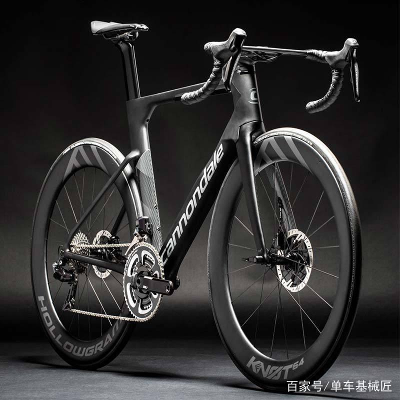 这是一辆名副其实的气动自行车,具有空气动力性能的所有特征,最具特点图片