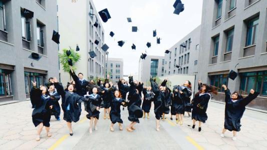 这所双非大学不简单,实力强名气大,全国首富毕业于此!