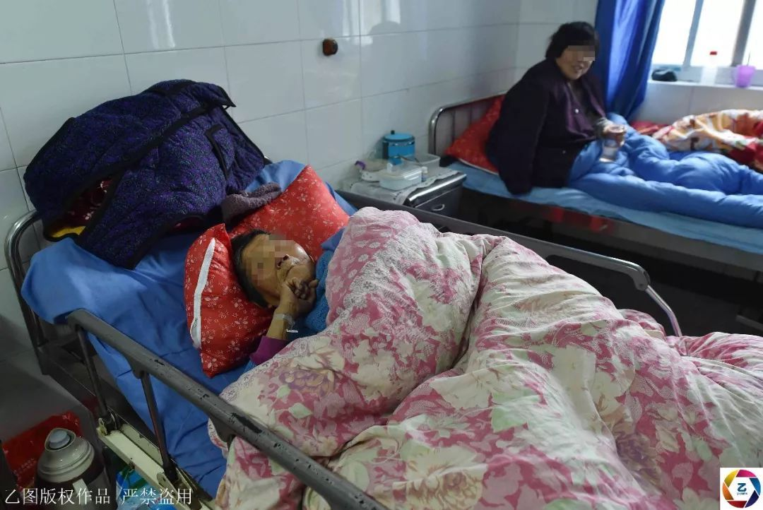 老人在診所看病意外身亡,醫生偷偷將其拉到一百餘公裡外荒山掩埋